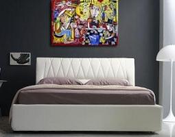sofà , letto matrimoniale con quadro moderno siviglia arte