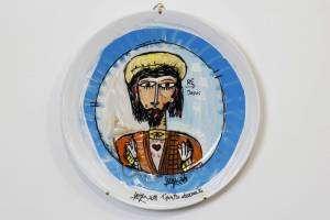 Piatto in ceramica decorato con acrilico, raggio 14 cm, ritratto di Cristo, decorazione piatto in ceramica. Arredamento per la casa , piatto decorato, dipinto su piatto, acrilico su piatto in ceramica, dipinto a mano. Alessandro Siviglia è l'artista dell'opera.