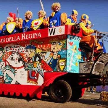 Il carro dipinto dall'artista per il Carnevale d'Ivrea
