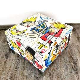Puff di Ecopelle dipinto a mano dall'artista Alessandro Siviglia, bellissimi disegni colorati, arredo moderno, interior design, made in Italy
